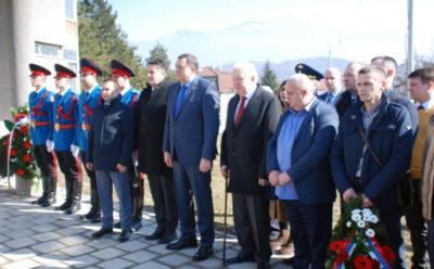 Иванцов и Додик положили вијенац на споменик Чуркину