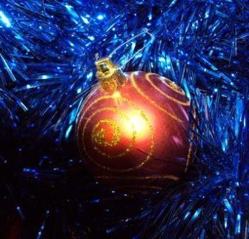 С наступающим Новым годом и Рождеством, дорогие наши читатели!