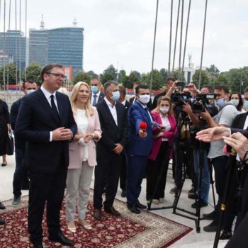 Вучич посетил строящийся сербско-русский храм