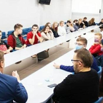 В Воронеже состоялась лекция о здоровом образе жизни и гандболе